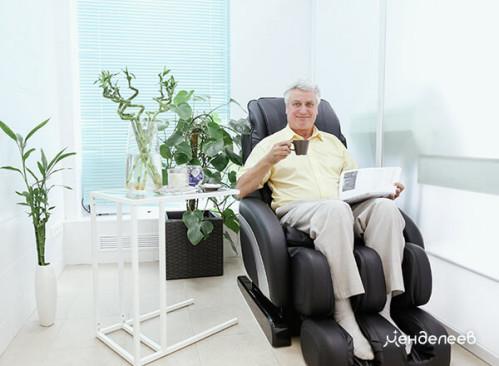 В массажном кресле после лечения
