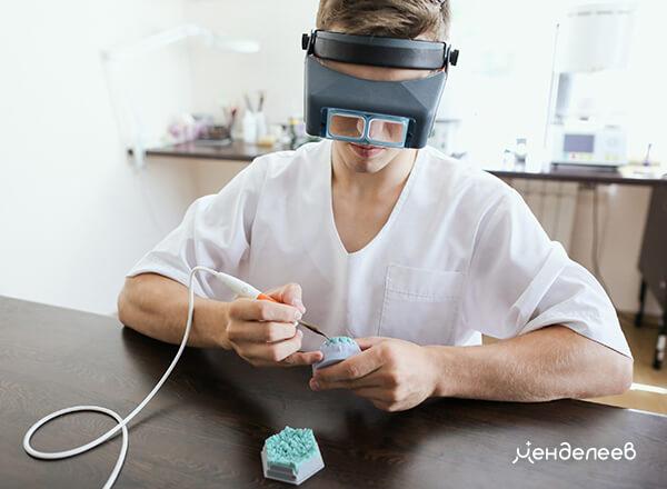 Изготовление коронок в зуботехнической лаборатории